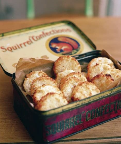 Crumbs' coconut macaroons | MummyPages