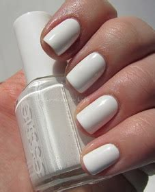 In Love With Life ♥: essie - Blanc