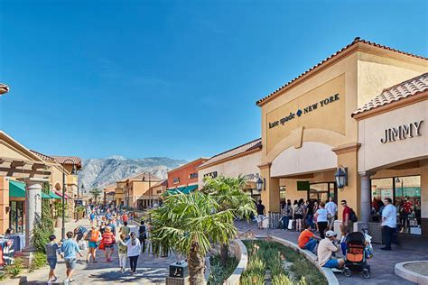 Outlet Shopping in Los Angeles | Discover Los Angeles