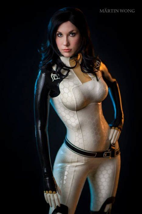 Stunning Pro Cosplayer Crystal Graziano is Amazingly