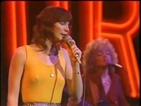 Mary MacGregor - Torn between two lovers - YouTube
