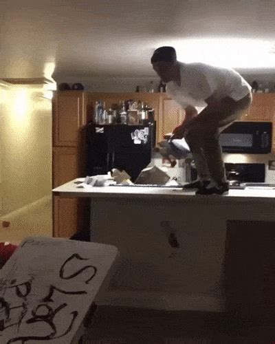Funny GIFs With Drunk People Fails (29 GIFs) – The Viraler
